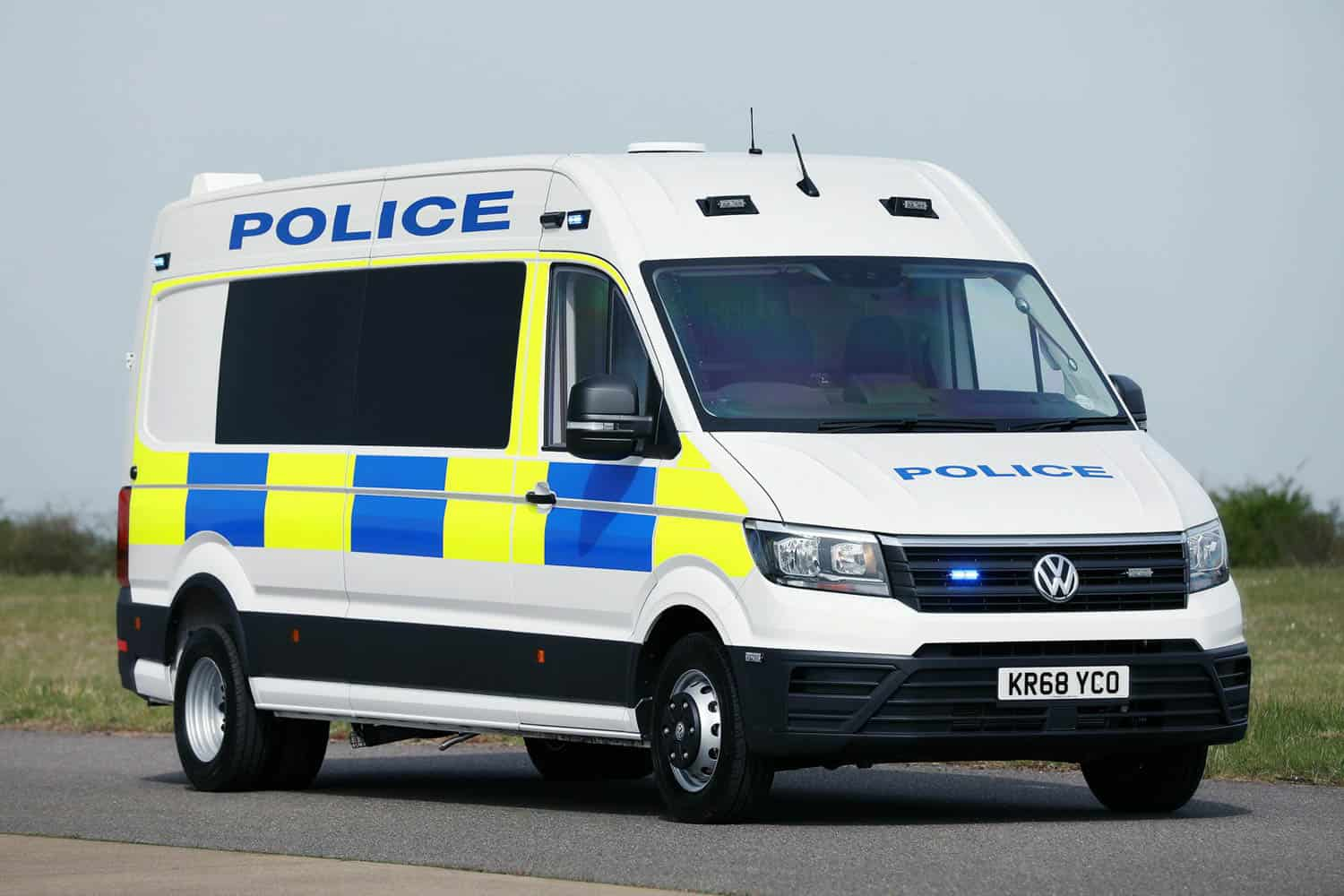 90a43ddb 2019 vw crafter police riot van uk 1