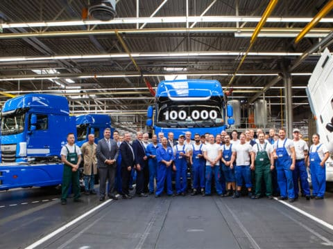 100000th New DAF CF and XF 02
