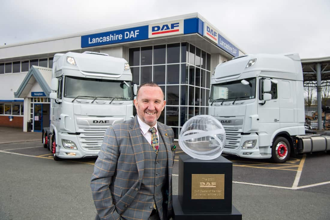 The British dealer group Lawrence Vehicles has been awarded DAF Dealer of the Year 2021 01